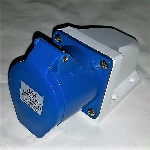 32 Amp 240 Volt Wall Socket