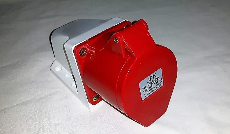 32 Amp 415 Volt Wall Socket