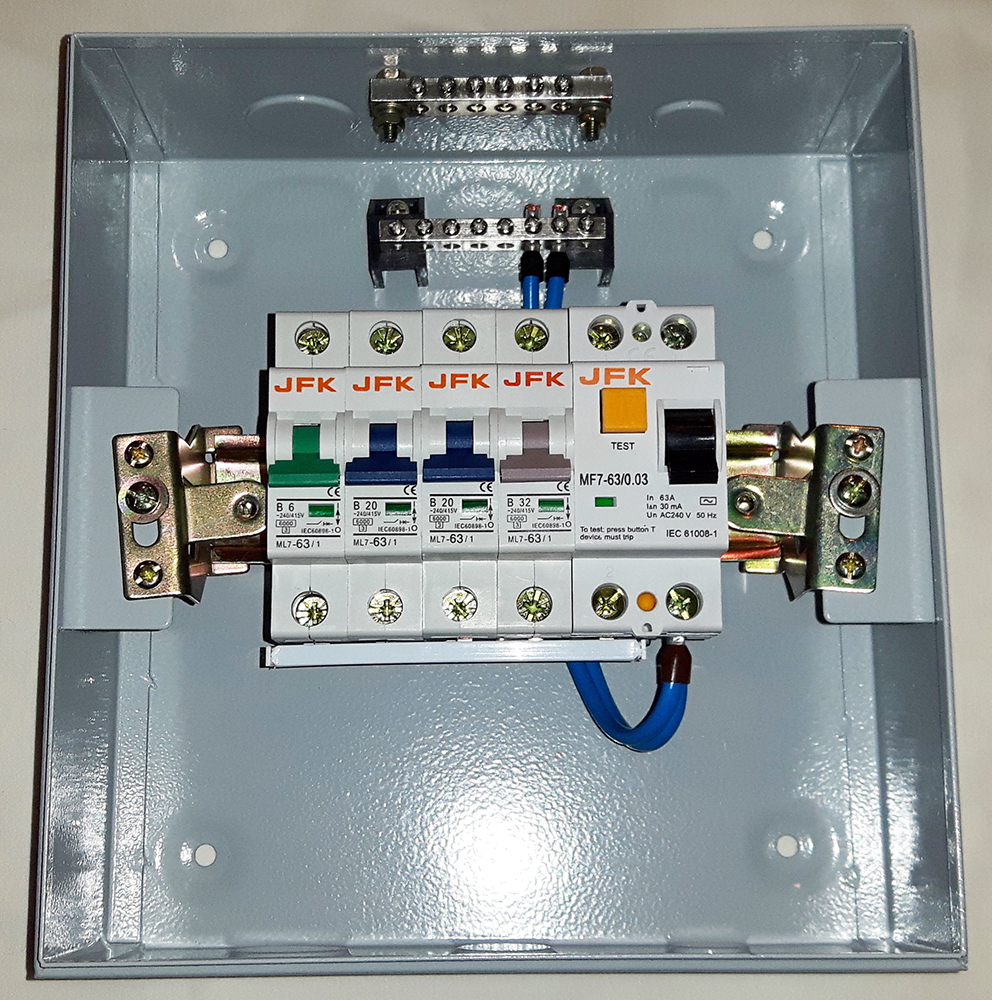 4 Way Metal Consumer Unit + 30mA RCD - JFK Electrical